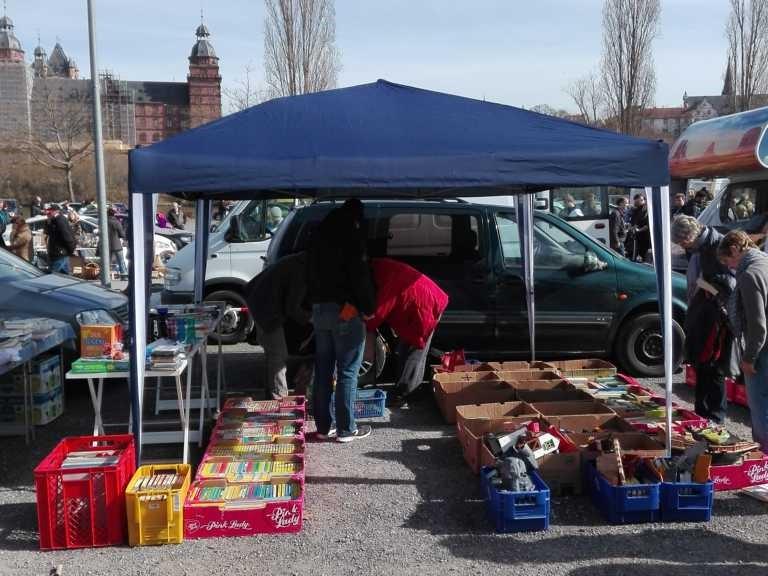Faltpavillon für Flohmarkt